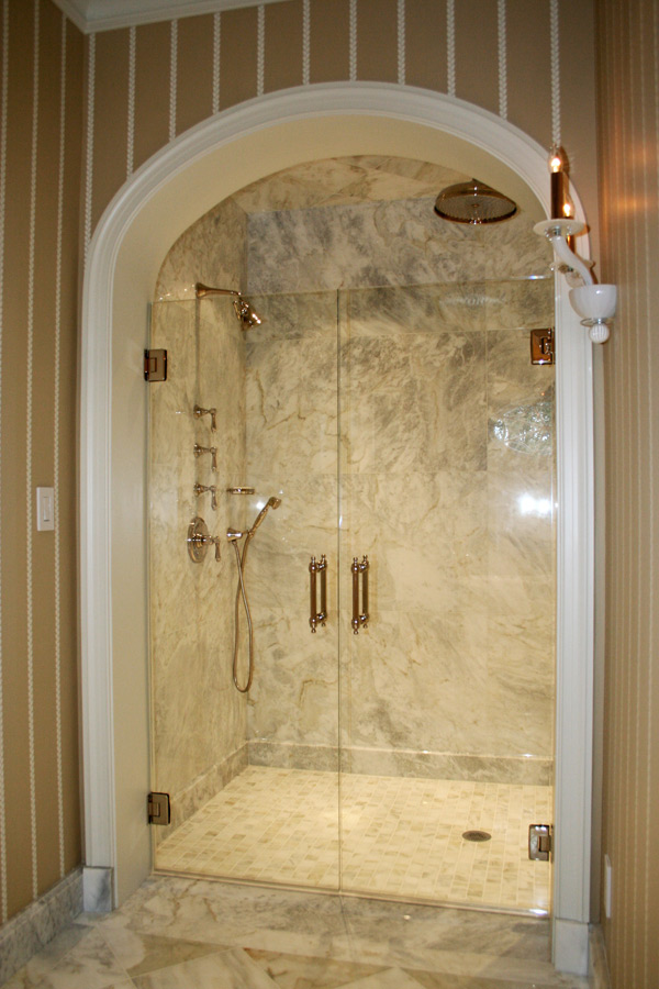 Why Choose A Glass Shower Door Over A Curtain